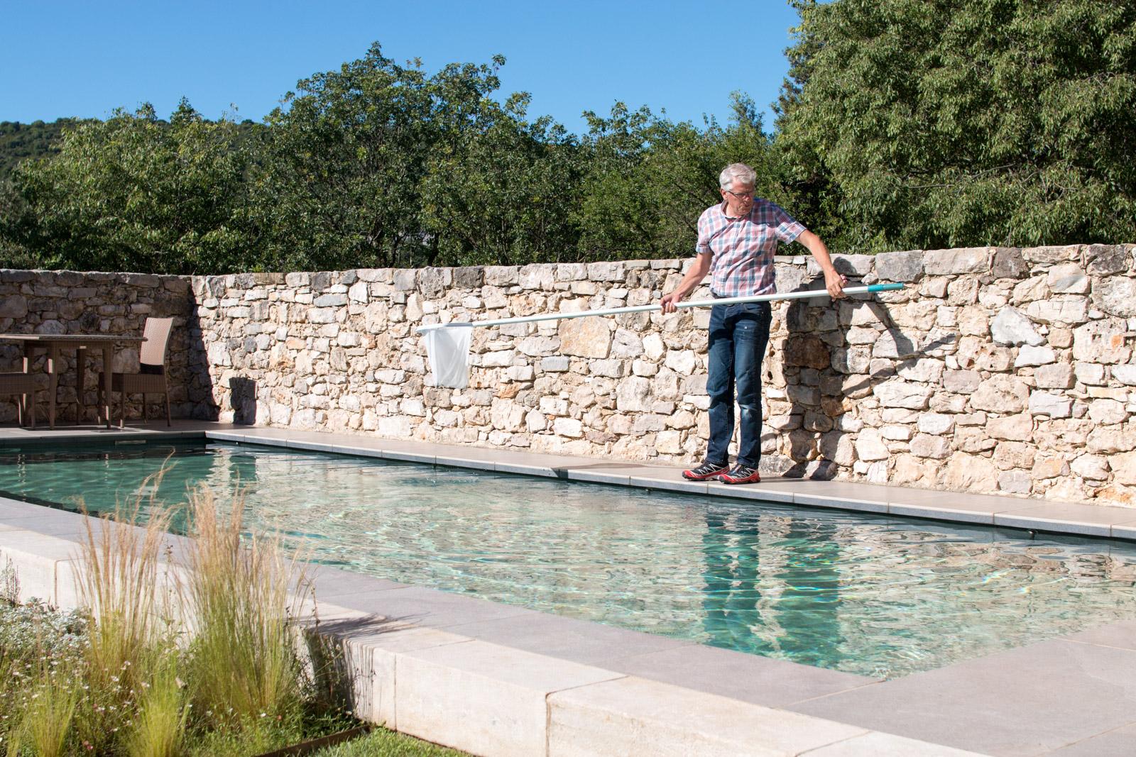 Entretien d'une piscine vers Viols-le-Fort (34)